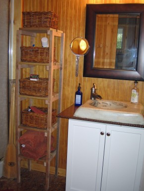 Homemade And Inexpensive Rustic Cabin Bathroom Decor | Rustic