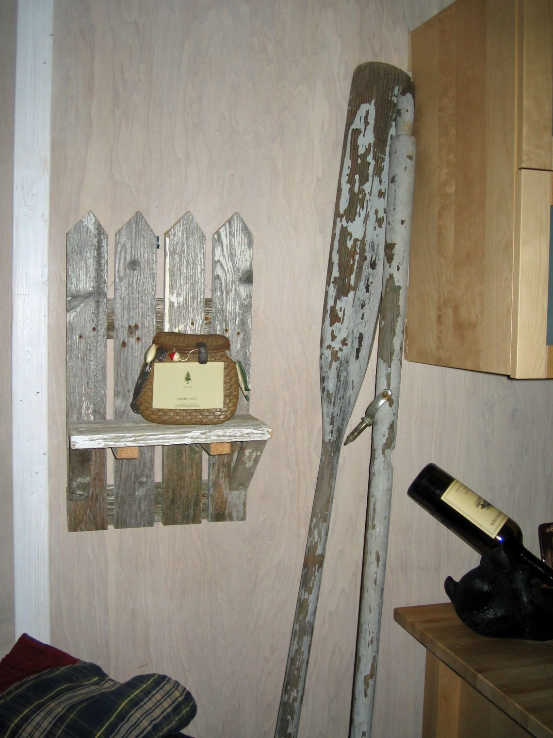Decorating A Cabin With Vintage Finds Rustic Crafts