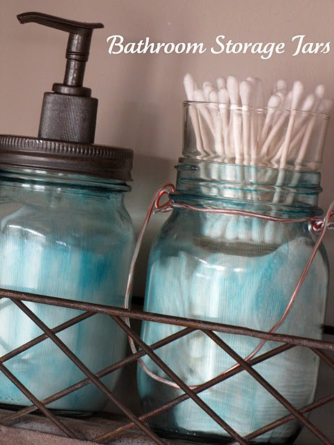 Diy bathroom accessories for your rustic bathroom rustic for Bathroom decor mason jars