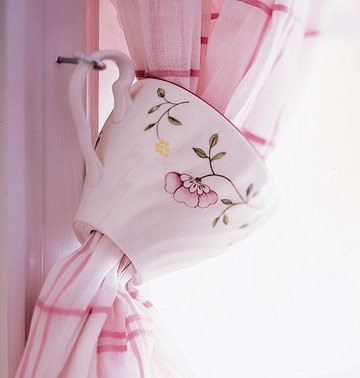teacup curtain tie back