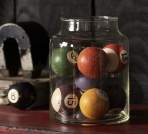 vintage-pool-balls