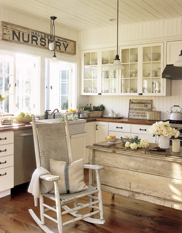 Rustic Chic Kitchen : Decorating With Antiques In The Kitchen  Rustic Crafts & Chic Decor