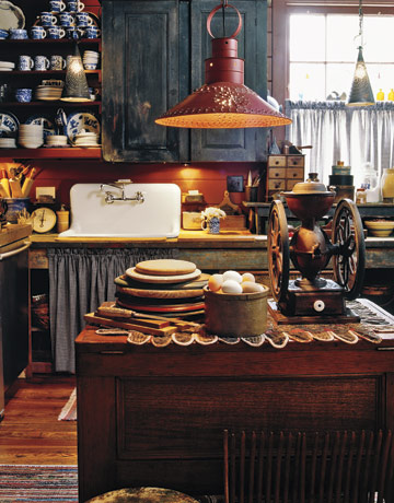 Decorating with antiques in the kitchen rustic crafts for Antiques decoration