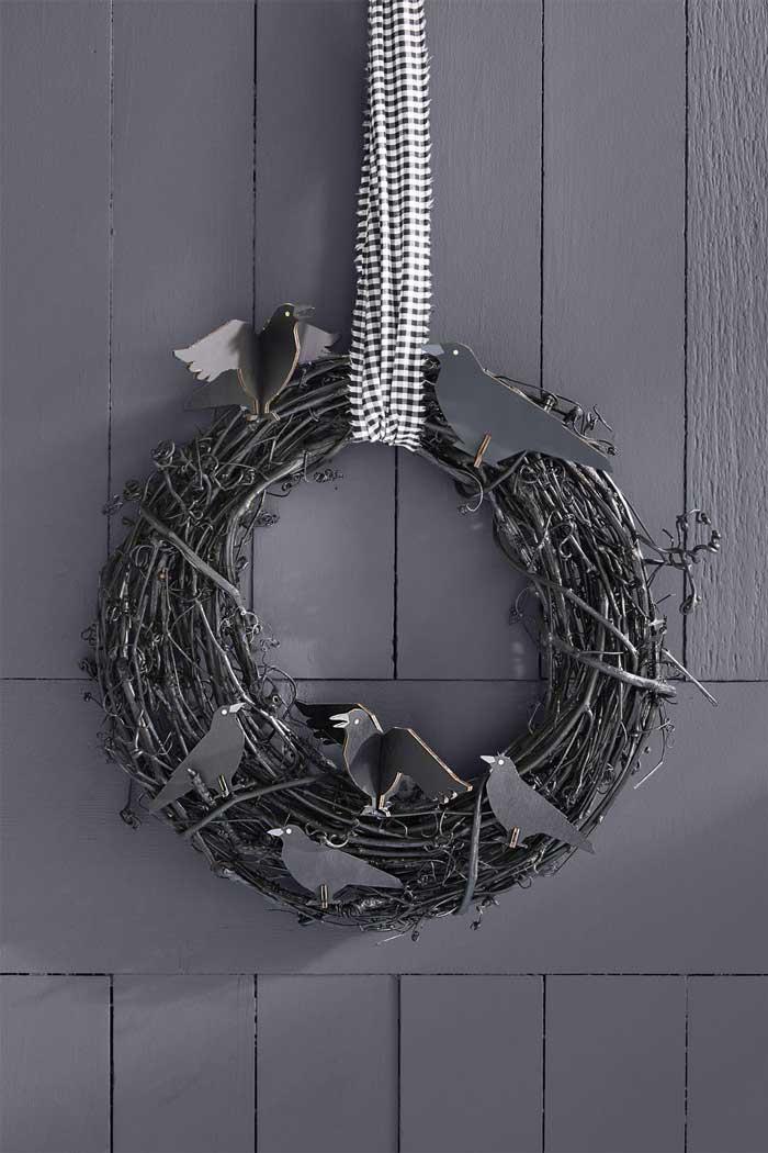 easy halloween crow wreath craft