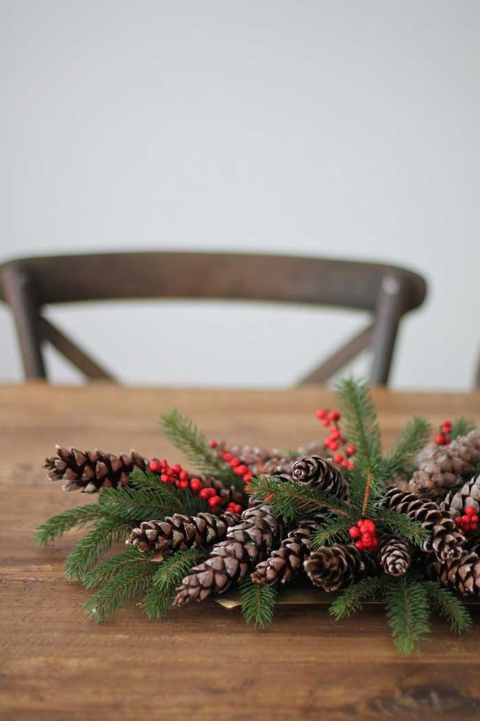 pine cone centerpiece craft