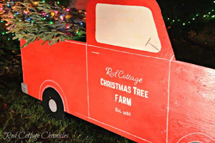diy rustic Christmas truck with tree for outside