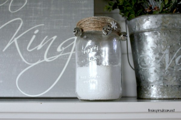 diy Christmas decorations - mason jar candle holder