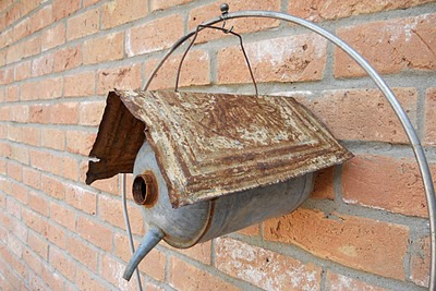 unusual crafts - watering can birdhouse