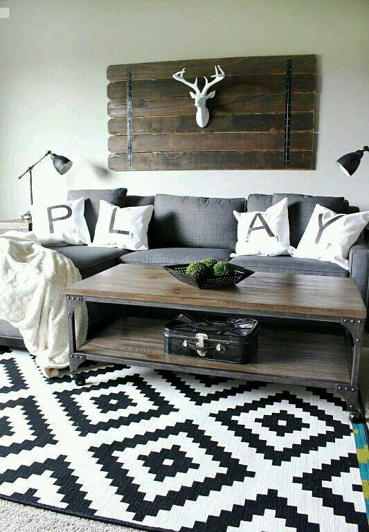 decorating in black and white