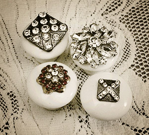 what to make with old jewelry - dresser knobs