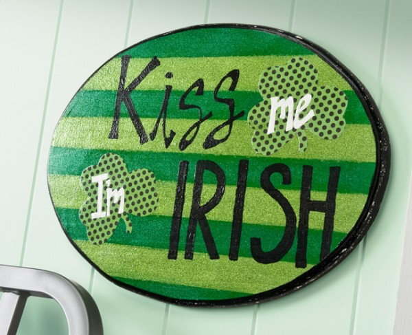 kiss me i'm irish plaque