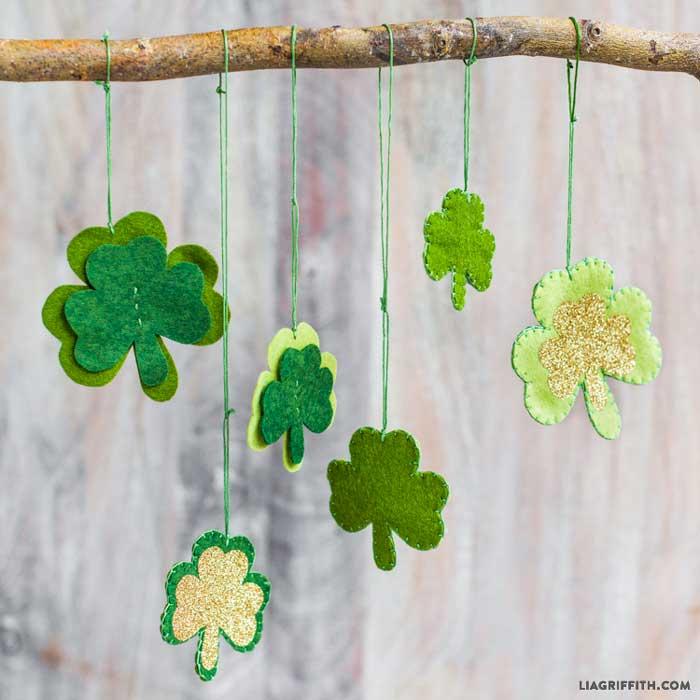 St. Patricks day crafts - shamrock mobile