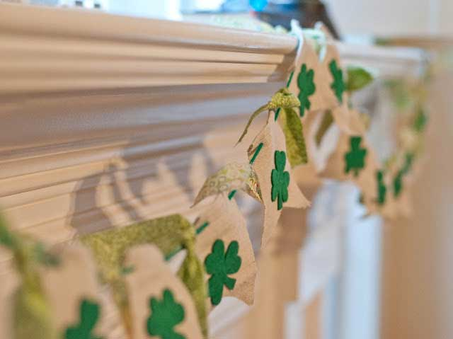 St. Patricks day crafts - burlap and clover garland