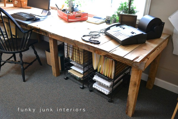 pallet desk designs - long and rustic pallet desk