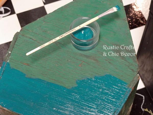 painting vintage toolbox