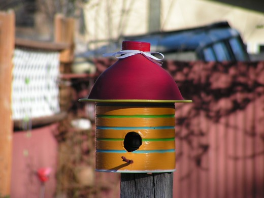 diy birdhouse ideas - coffee can birdhouse