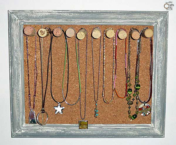 diy jewelry holders - cork and wine corks