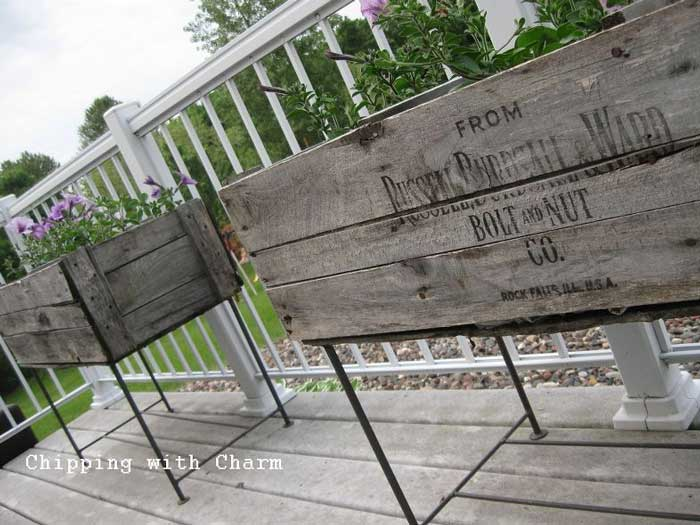 rustic outdoor decor ideas - make planters from old shipping crates