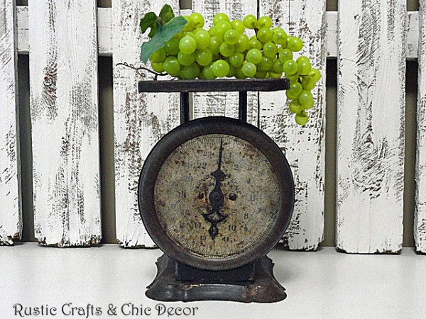 decorating with vintage scales by rustic-crafts.com