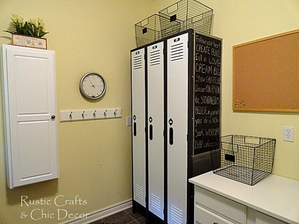 ideas for decorating a laundry room by rustic-crafts.com