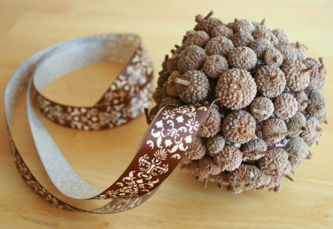 A collection of acorn crafts rustic crafts chic decor for How to preserve acorns for crafts