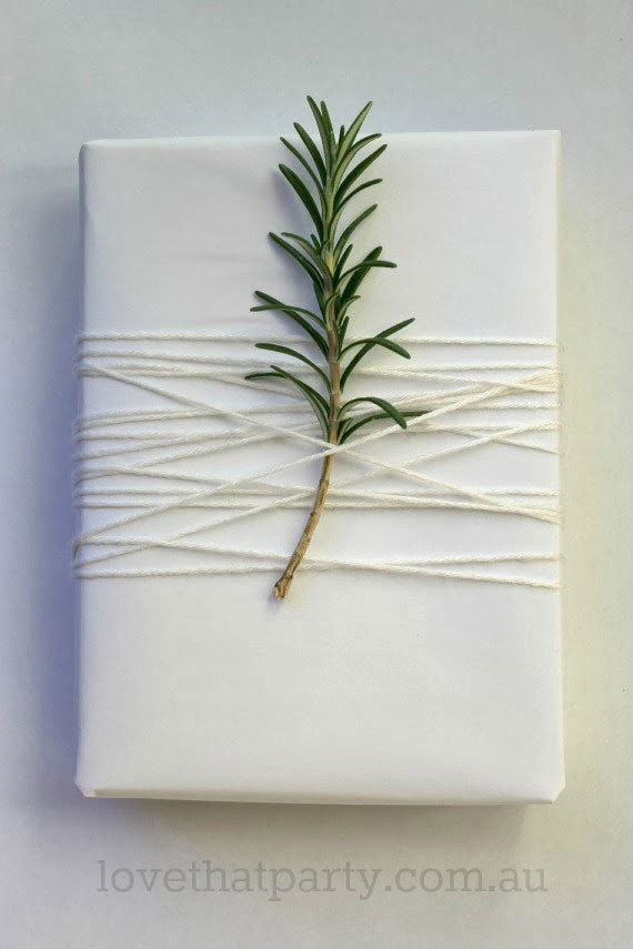 15 creative and chic christmas gift wrapping ideas for Easy crafts for christmas presents