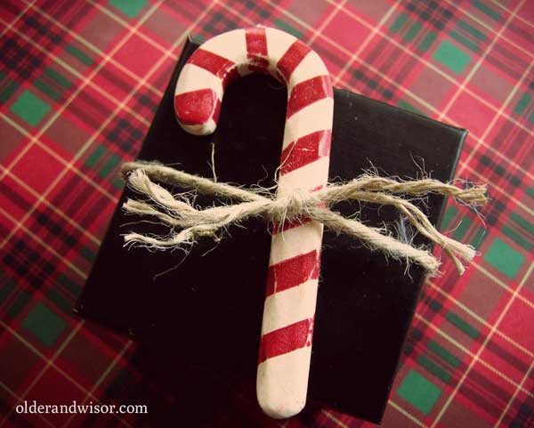 Candy cane gift wrap topper