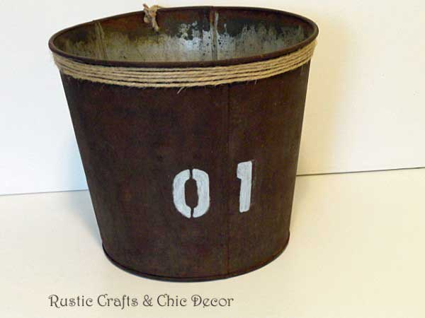 rusty bucket diy by rustic-crafts.com