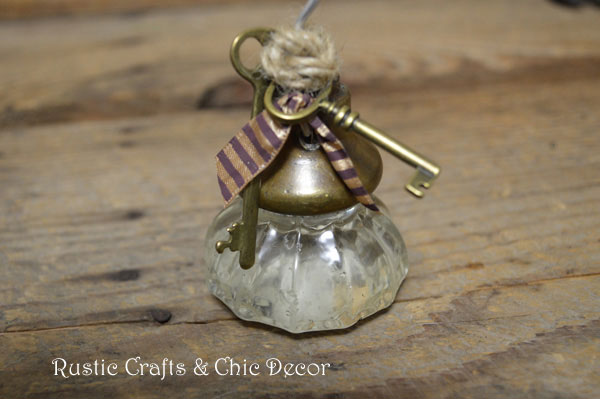 vintage door knob craft by rustic-crafts.com
