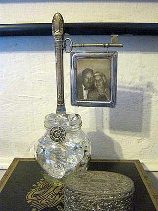 Key photo holder