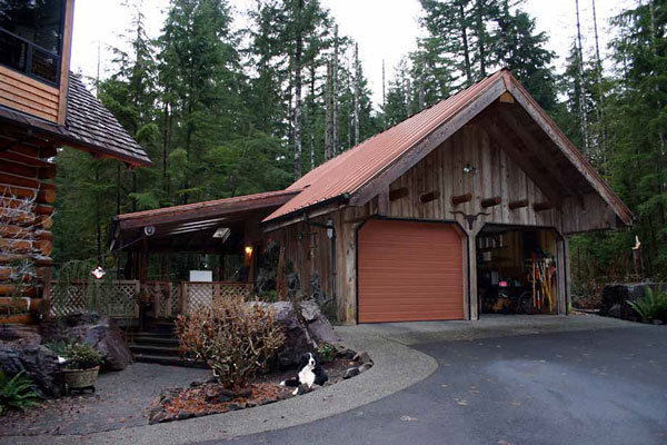 Rustic style cabin garages rustic crafts chic decor for Log garage designs