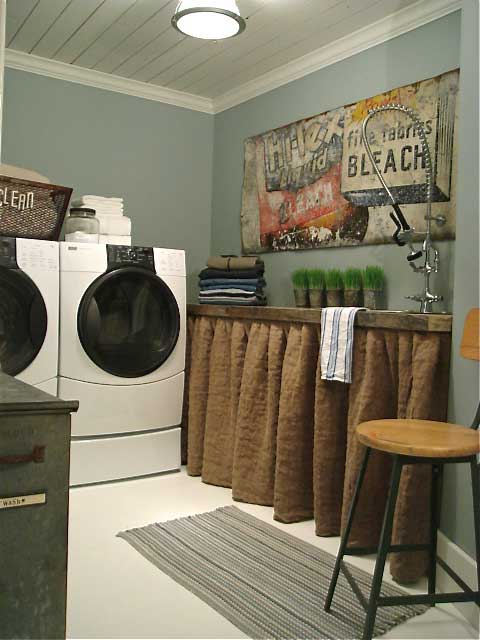 Rustic chic laundry room decor rustic crafts chic decor for Decorate a laundry room
