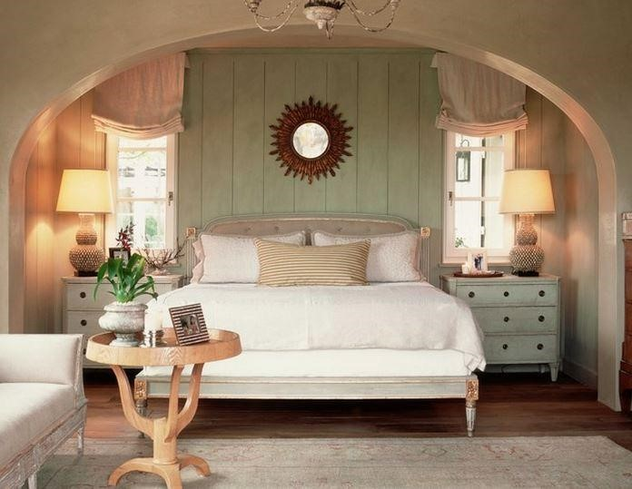 8 Great Ideas For Creating A Shabby Chic Bedroom Rustic Crafts Chic Decor Crafts Diy