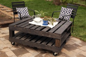 rustic-patio-pallet-diy