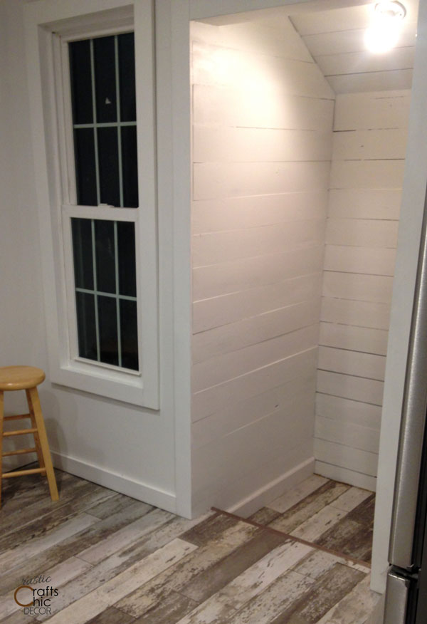 farmhouse kitchen shiplap walls
