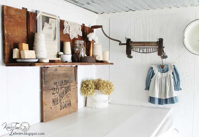 vintage laundry decor
