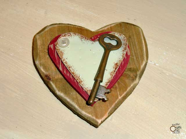 layered hearts and key