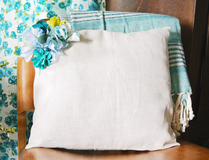 diy pillow with fabric flower
