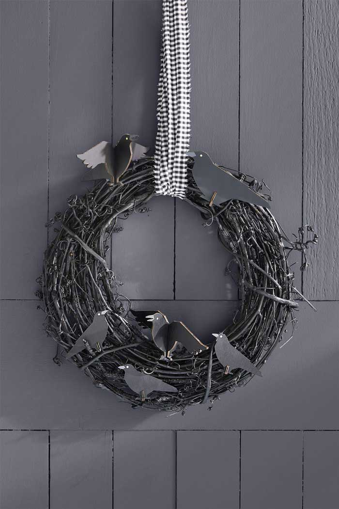 easy halloween crow wreath craft