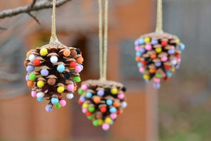 pine cone and pom pom Christmas ornament DIY