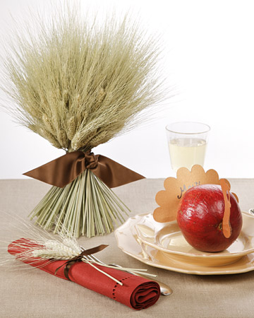 bundled wheat Thanksgiving centerpiece