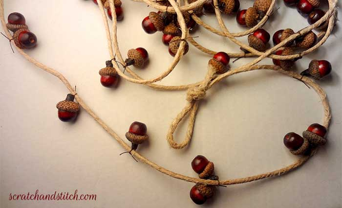diy rustic acorn Christmas garland