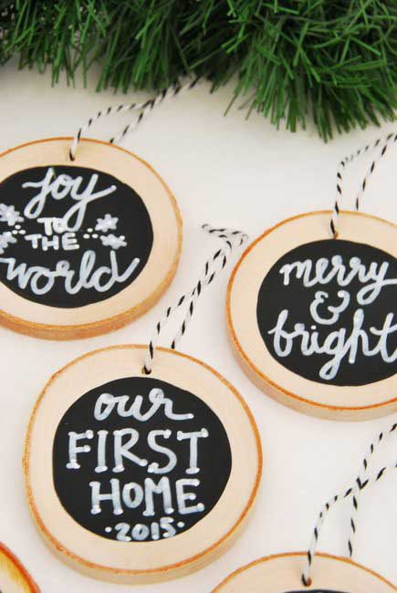 diy wood slice chalkboard christmas ornaments