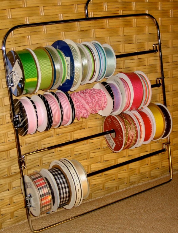 ribbon storage on a pants hanger