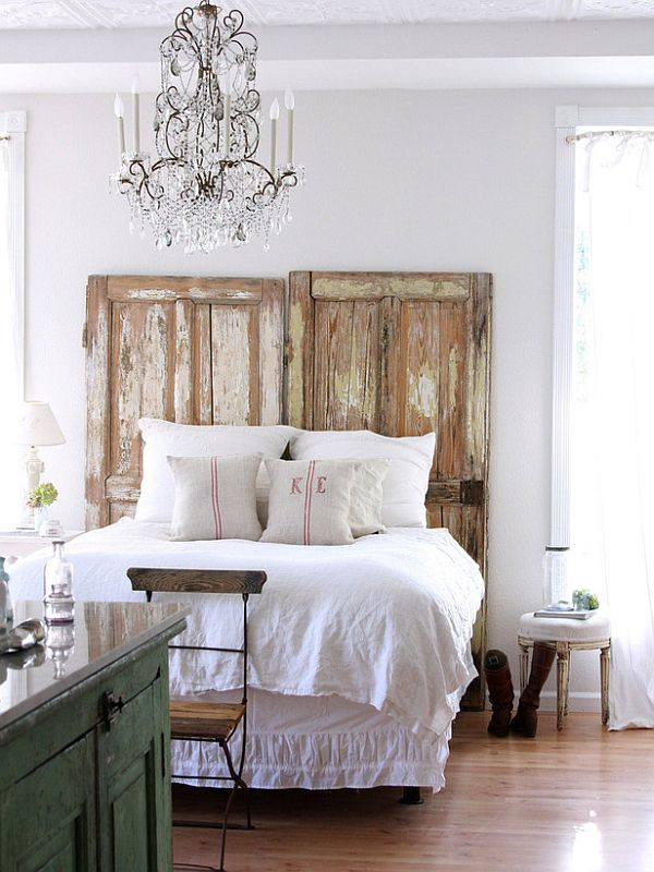 DIY headboard ideas - vintage door headboard