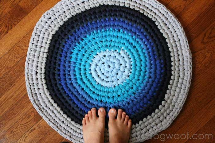 repurposed t-shirt rug