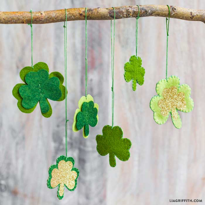 St. Patricks day crafts - shamrock mobile