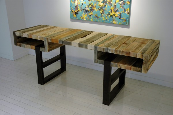 pallet desk designs - apply pallet wood to a plywood frame