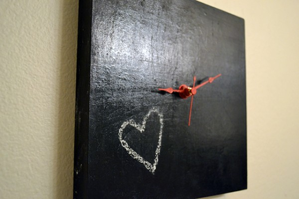 what to do with chalkboard paint - create a chalkboard clock
