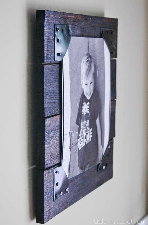 creative picture frames - pallet wood frame